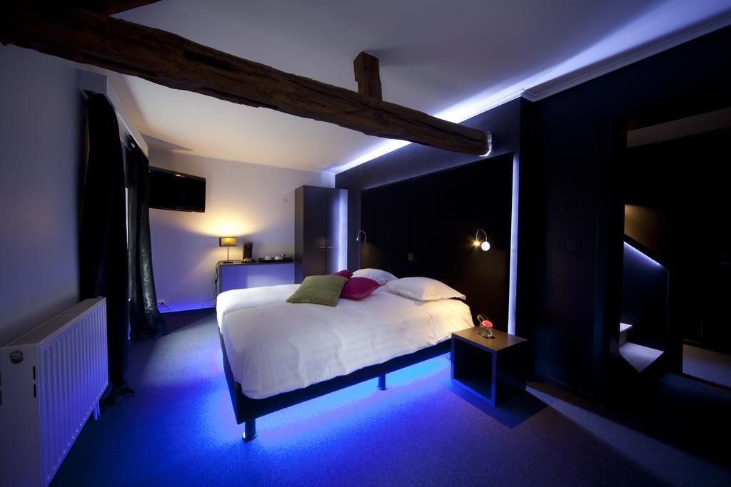 Deze afbeelding heeft een leeg alt-attribuut; de bestandsnaam is hotel-le-Vieux-Pont-Durbuy-1024x683.jpg